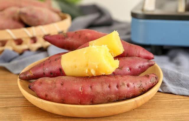 Trường hợp nào cần tránh ăn khoai lang?