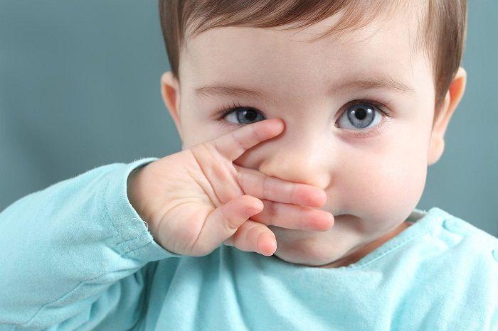 Cách chăm sóc mắt cho trẻ sơ sinh